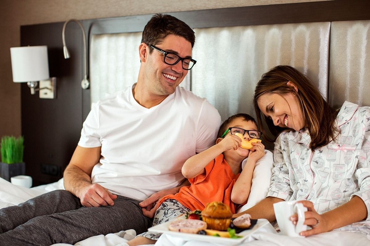 Kids Stay and Eat Free Holiday Inn Leeds - Garforth